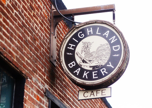 highland bakery sign