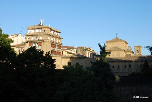 Vista desde la Taconera del Hotel Eslava, situado en la Plaza de la Virgen de la O con fachada también a la calle Recoletas, y de la trasera del convento de las Recoletas.