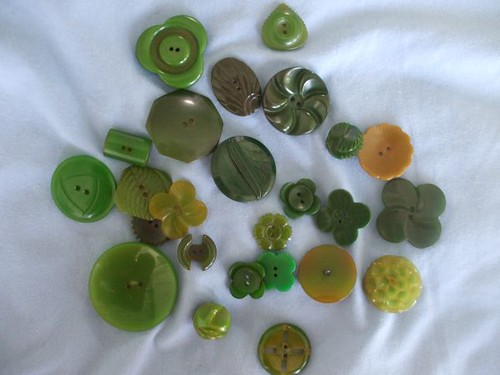 Marty's vintage button collection - green Bakelite