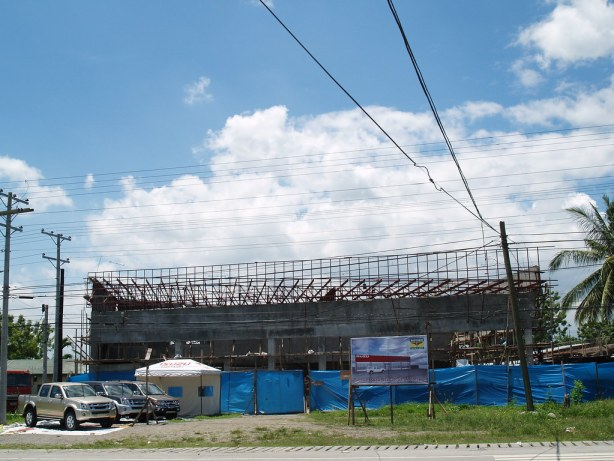 The building of ISUZU GenSan undergoing construction at the National Highway, Apopong.