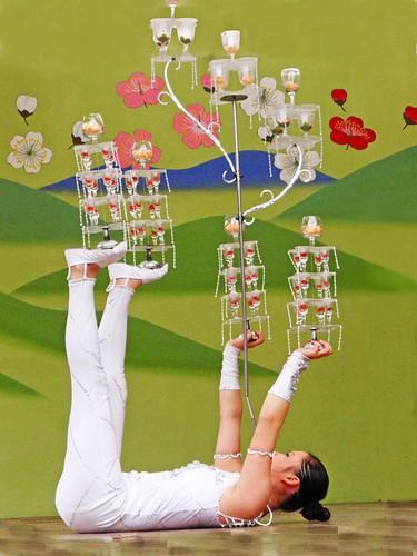 Chinese juggler by tanakawho.