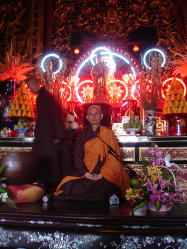 Thich Nhat Hanh in Ho Chi Minh City, March 2007 (photo M. Steinglass)
