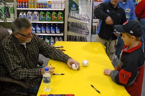 Jack Morris Signing Autographs