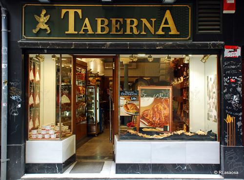 Panadería pastelería «Taberna», en la Calle Pozoblanco.