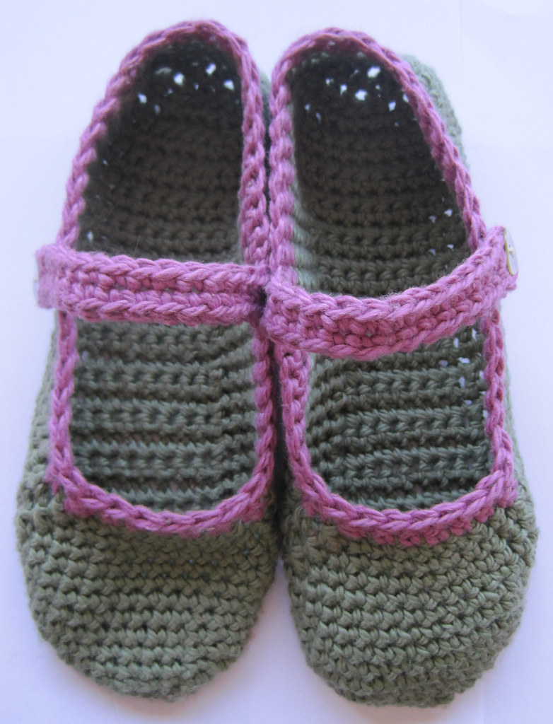 Crochet Patterns Slippers : some slippers here s the pattern i devised for the mary jane slippers ...