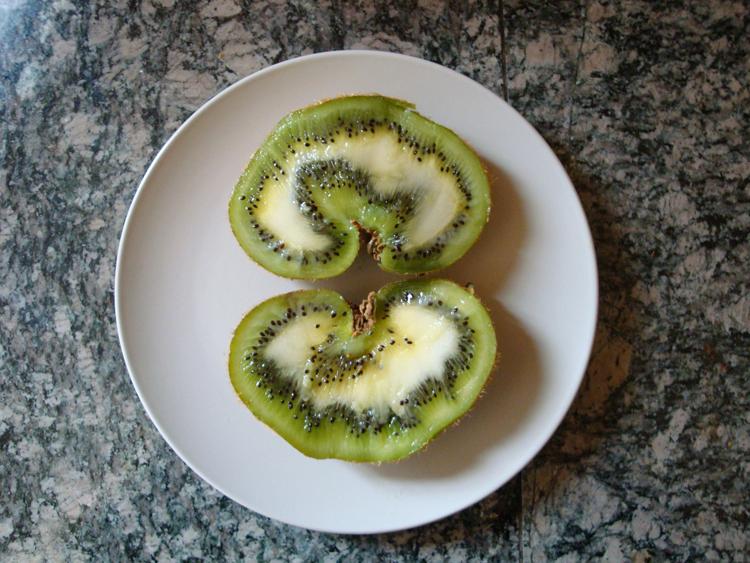 Weird Kiwi, Sliced