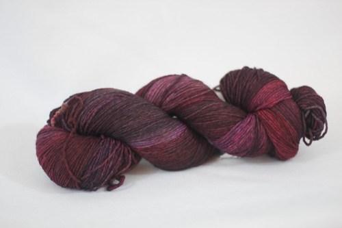 DIC Everlasting 8 ply sock yarn