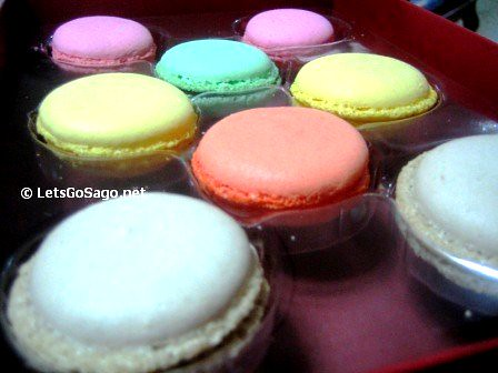 French Cafe Delifrance Macarons