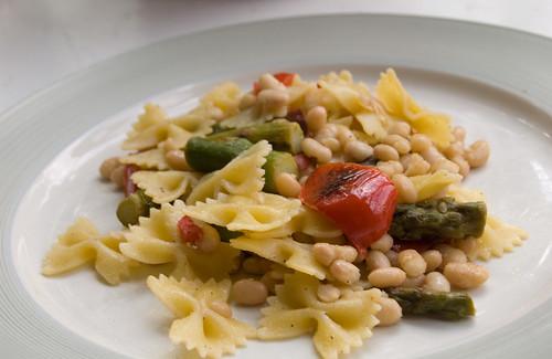 Lemon-Pepper Pasta and Asparagus