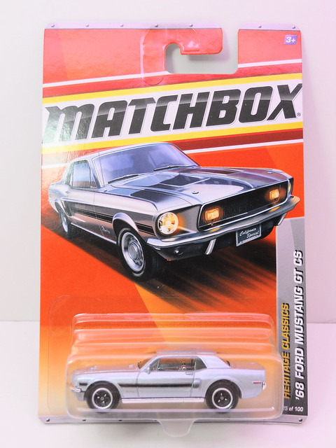 matchbox '68 ford mustag gt cs silver (1)