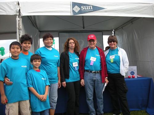 Sun booth with Sheri Kaneshiro, Jim Mitchell, Judy Wainwright, Silicon Valley Heart Walk 2009 photo: copyright 2009 Katy Dickinson