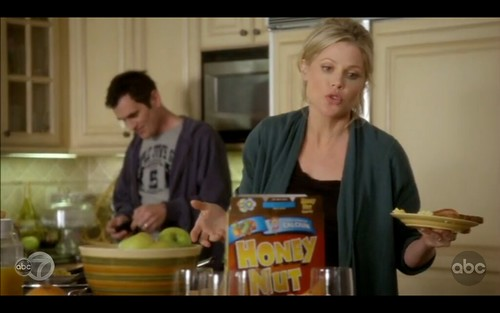 Honey Nut - Modern Family - Pilot