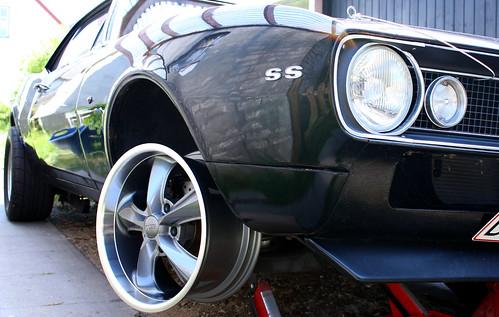 Camaro with Foose Wheel