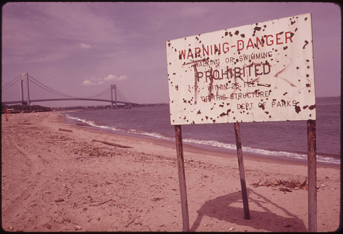 Warning of Polluted Water at Staten Island Bea...