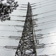 高圧電線鉄塔