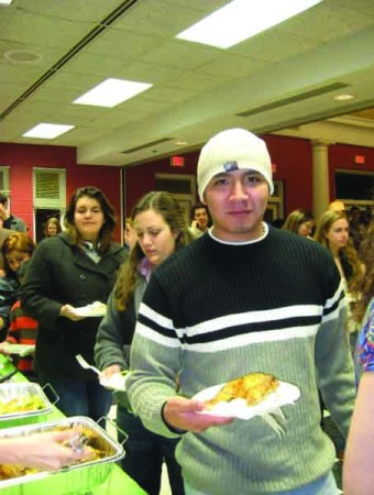 Students enjoyed the Middle-Eastern fare at an ISA feast last year.