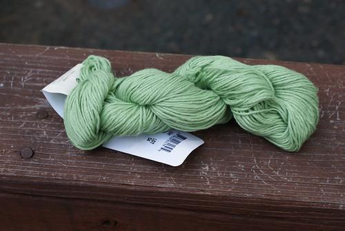 Universal Yarns Summer Linen in Leaf
