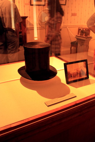 Lincolns stovepipe hat