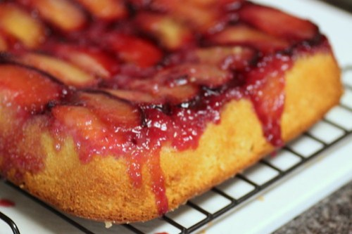 inverted plum kuchen