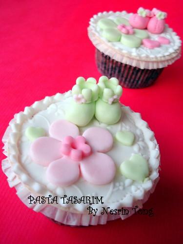 baby shower cupcake -girl