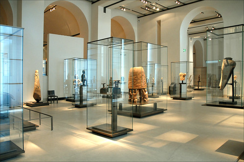 Le musée du Quai Branly au palais du Louvre / Pavillon des Sessions