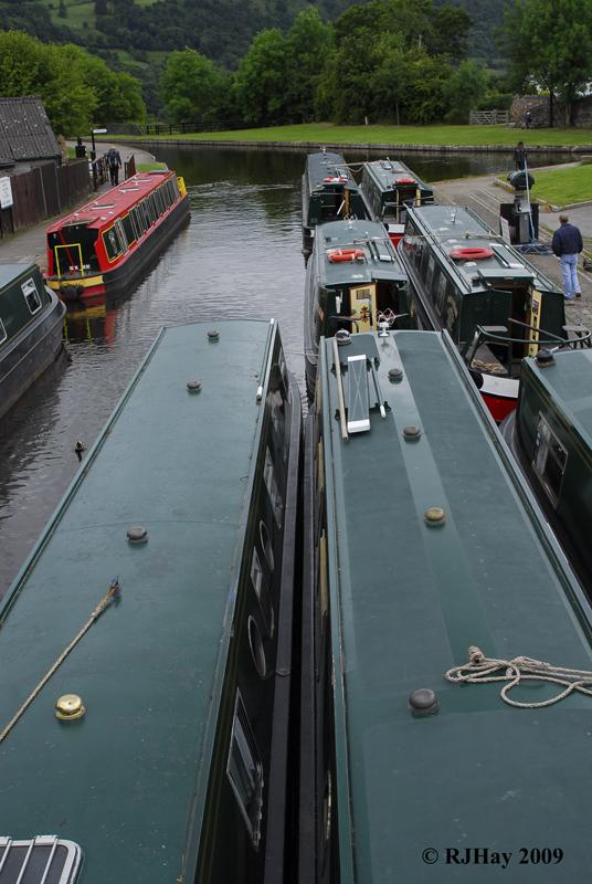 Canal Boats - Llangollen Canal at Pontcysyllte Aqueduct