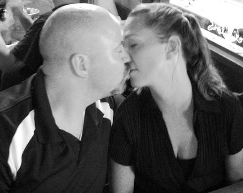 Brett & JIll Share a Kiss at No Frills