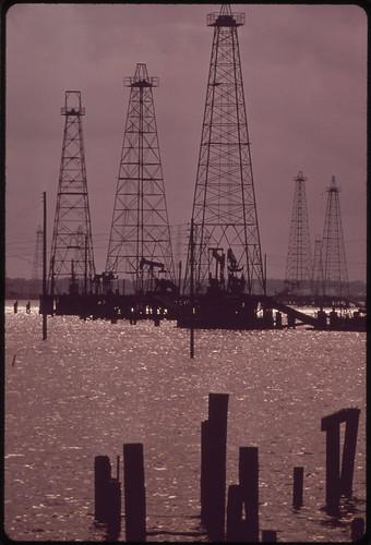 Naftonosno polje