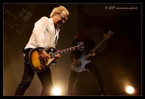 Mick Jones / Foreigner