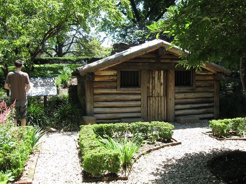 hessian-hut