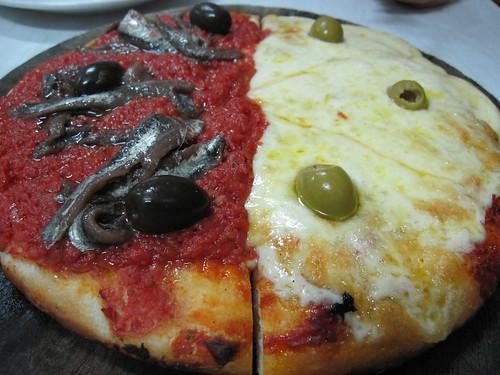"""""""Mixta"""" @ El Cuartito Pizza - Buenos Aires, Argentina"""