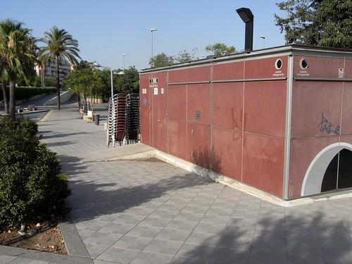 Kiosko veladores Paseo de   Cordoba sin uso en verano 2009