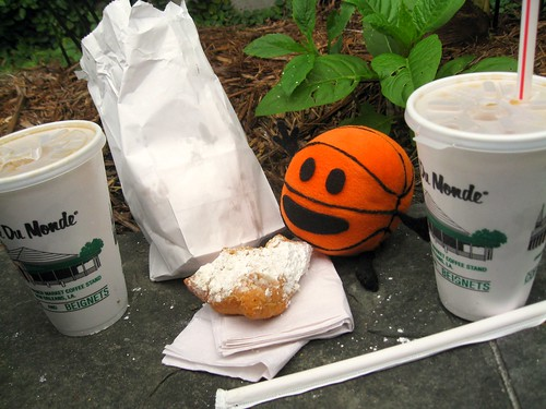 bally visits cafe du monde
