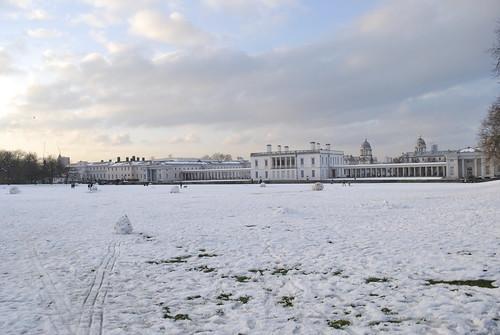 Greenwich Park - snowman graveyard