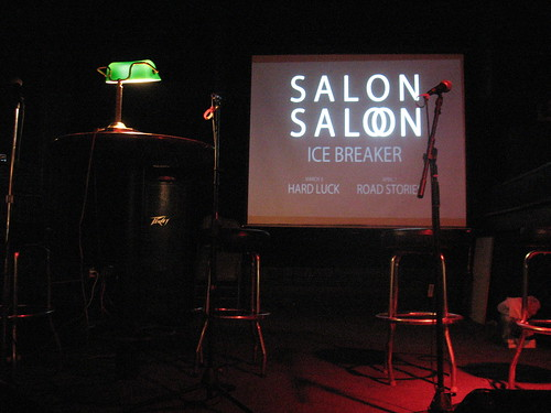Salon Saloon stage