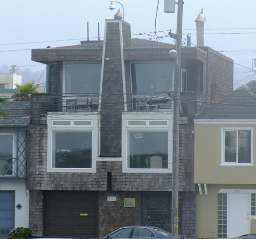 Architecture of the Outer Sunset along the Great Highway 3