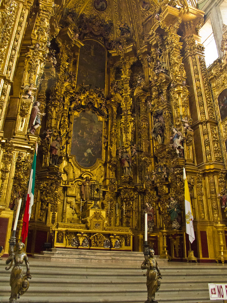 The main alter in Mexico City Cathedral