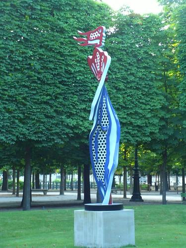 My favorite sculpture at the Jardin des Tuileries - Lichtensteins Brushstroke Nude