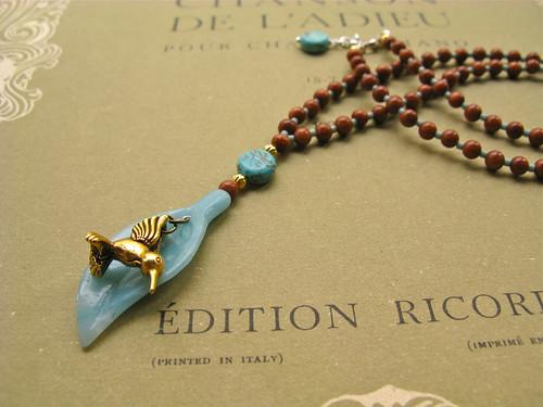 Hummingbird necklace (goldstone)