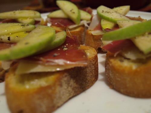 Apple, Manchego & Jamon Toasts