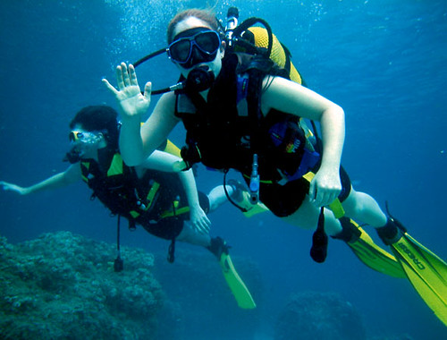 Can you really learn to scuba dive safely on just one vacation?