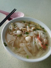 Breakfast at Whampoa Market - Kway Teow Soup S$3