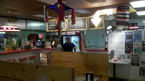 mema's alaskan tacos interior