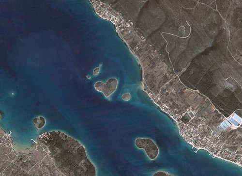Heart shaped island - Galešnjak in pašman channel