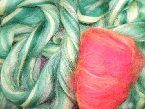 Roving for dahlia yarn