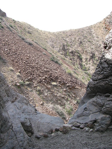 The top of the Burro Mesa pouroff; its over 50 feet to the sand and rocks below the edge.