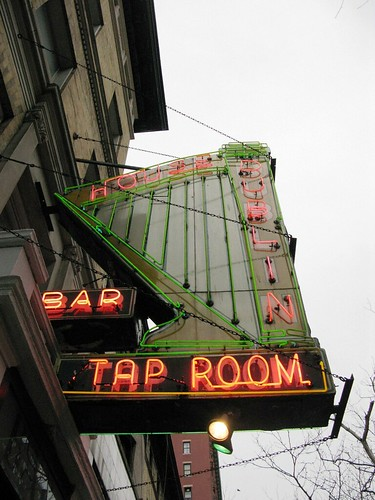 Back down on the Upper West Side, my favorite neon sign.