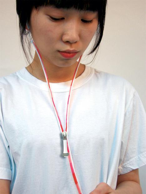 yi_earphones2