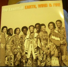 Earth, Wind, & Fire~The Essential Eart, Wind, ...