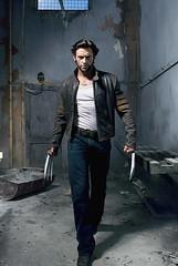 Hugh Jackman posa como Wolverine em foto de Michael Muller - CLIQUE AQUI PARA AMPLIAR ESTA FOTO